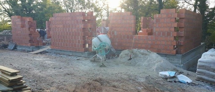 Building and brickwork